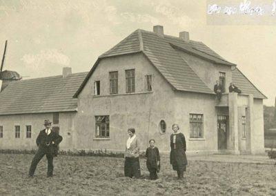 Stammhaus in der Bahnhofstraße Emstek nach Neubau Anfang der 1920er Jahre